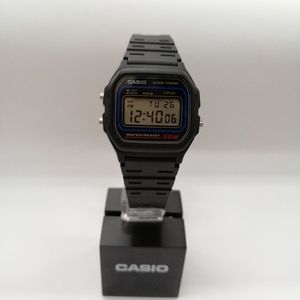 Reloj CASIO digital sumergible negro